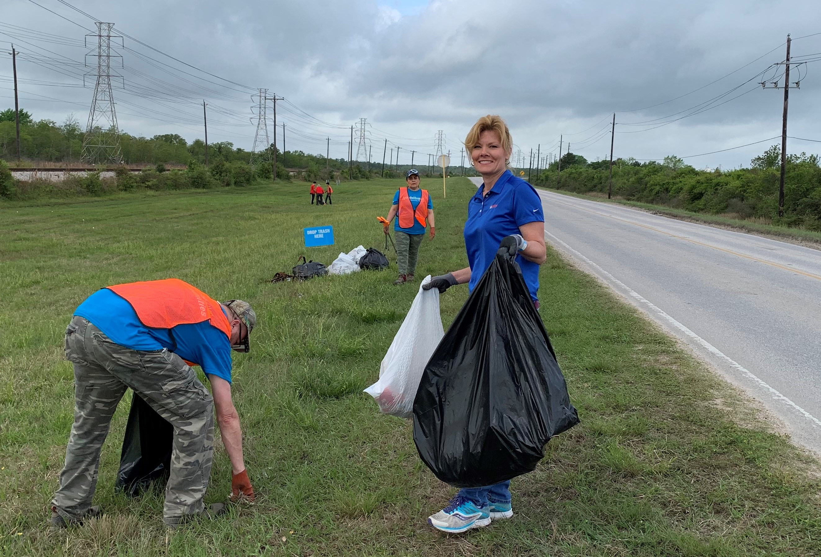 Rebecca and other volunteers at the 2019 Trash Bash.